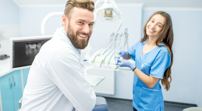What Does A Dental Assistant do: Roles and Responsibilities of A Dental Assistant
